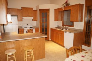 Photo 14: 26 North Plympton Village in Dugald: Single Family Detached for sale : MLS®# 1601626
