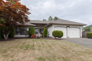 "Photo 1: 18589 62 Avenue in Surrey: Cloverdale BC House for sale in ""Eaglecrest"" (Cloverdale)  : MLS®# R2208241"