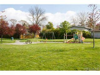 Photo 15: 212 991 Cloverdale Ave in VICTORIA: SE Quadra Condo for sale (Saanich East)  : MLS®# 730785