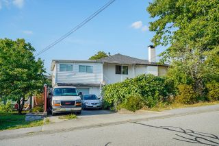 Photo 2: 2051 SHAUGHNESSY Street in Port Coquitlam: Mary Hill House for sale : MLS®# R2612601
