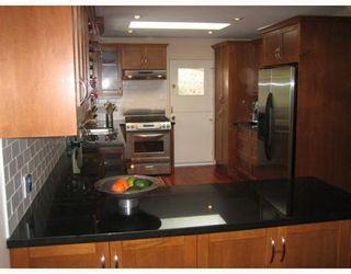 Photo 3: 2866 WILLIAM AV in North Vancouver: House for sale : MLS®# V789051
