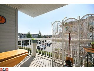 """Photo 10: 223 5379 205TH Street in Langley: Langley City Condo for sale in """"HERITAGE MANOR"""" : MLS®# F1007495"""