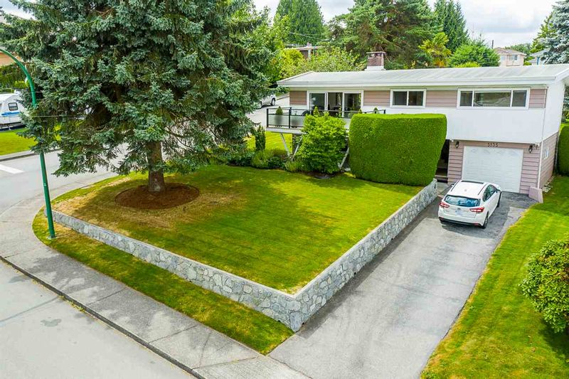 FEATURED LISTING: 5135 ELSOM Avenue Burnaby