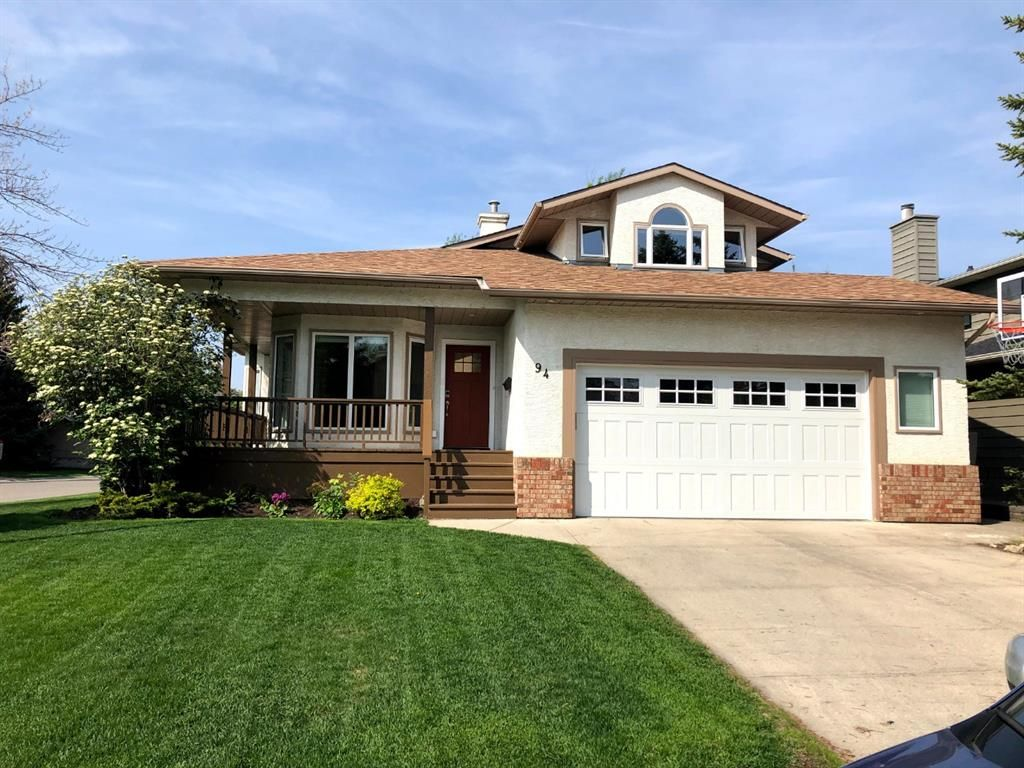 Main Photo: 94 Sunset Way SE in Calgary: Sundance Detached for sale : MLS®# A1136113