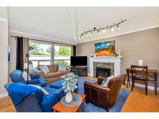 Photo 1: 117 15121 19 AVENUE in Surrey: Sunnyside Park Surrey Townhouse for sale (South Surrey White Rock)  : MLS®# R2459798