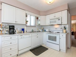 Photo 5: 2681 E 4TH Avenue in Vancouver: Renfrew VE House for sale (Vancouver East)  : MLS®# R2605962