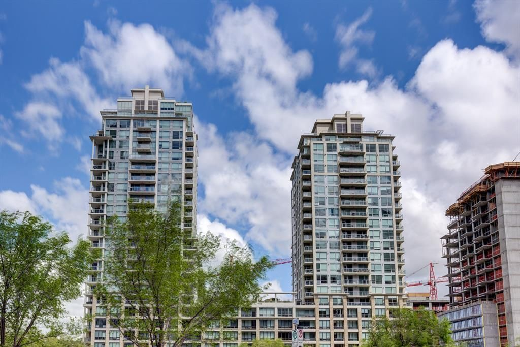 Main Photo: 619 222 RIVERFRONT Avenue SW in Calgary: Chinatown Apartment for sale : MLS®# A1102537