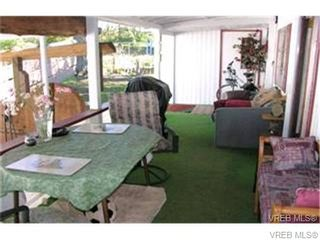 Photo 3: 33 1201 Craigflower Rd in VICTORIA: VR Glentana Manufactured Home for sale (View Royal)  : MLS®# 654887