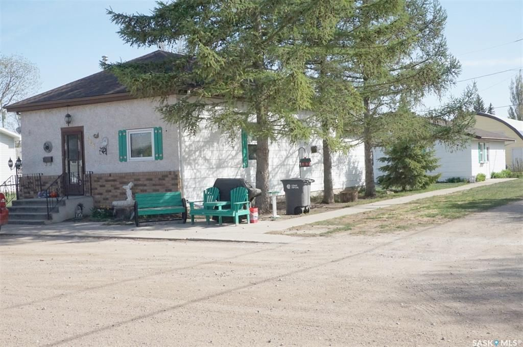 Main Photo: 202 2ND Avenue in Vibank: Residential for sale : MLS®# SK855503