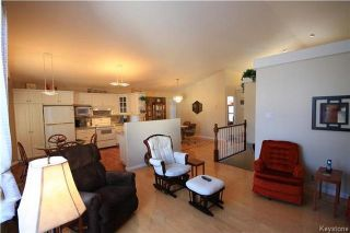 Photo 5: 205 Barlow Crescent in Winnipeg: River Park South Residential for sale (2F)  : MLS®# 1729915