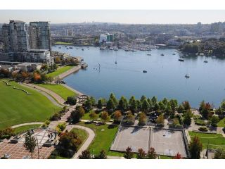 "Photo 2: 2302 1408 STRATHMORE Mews in Vancouver: Yaletown Condo for sale in ""West One"" (Vancouver West)  : MLS®# V1086401"