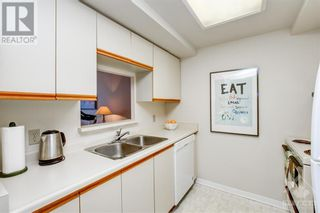 Photo 11: 45 HOLLAND AVENUE UNIT#407 in Ottawa: House for sale : MLS®# 1265346