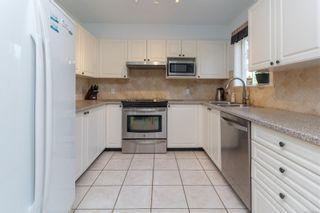 Photo 10: 52 14 Erskine Lane in : VR Hospital Row/Townhouse for sale (View Royal)  : MLS®# 855642