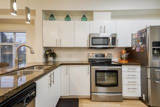 Photo 5: 74 935 EWEN Avenue in New Westminster: Queensborough Townhouse for sale : MLS®# R2625971