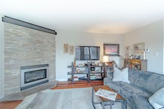 """Photo 2: 2341 BIRCH Street in Vancouver: Fairview VW Townhouse for sale in """"FAIRVIEW VILLAGE"""" (Vancouver West)  : MLS®# R2556411"""