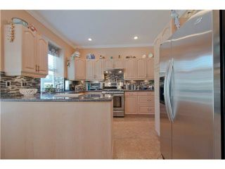"""Photo 7: 28 6211 W BOUNDARY Drive in Surrey: Panorama Ridge Townhouse for sale in """"LAKEWOOD HEIGHTS"""" : MLS®# F1421128"""