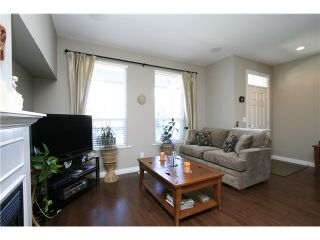 """Photo 4: 7035 180TH Street in Surrey: Cloverdale BC Townhouse for sale in """"Terraces at Provinceton"""" (Cloverdale)  : MLS®# F1321637"""