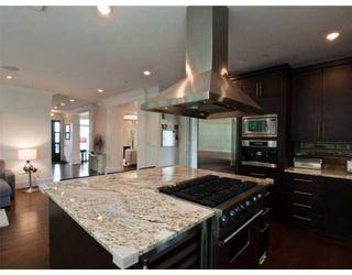 Photo 2: 2109 KINGS AV in West Vancouver: House for sale : MLS®# V884745