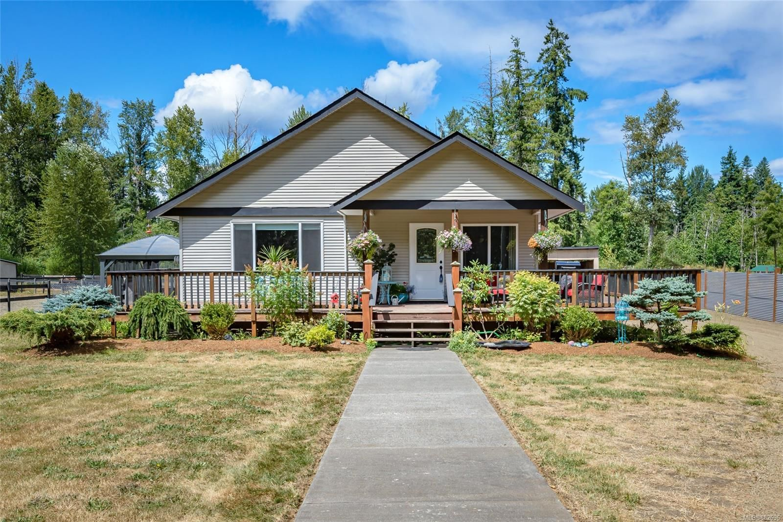 Photo 4: Photos: 3554 MacAulay Rd in : CV Merville Black Creek House for sale (Comox Valley)  : MLS®# 882696