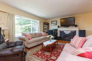 Photo 4: 2076 Piercy Ave in : Si Sidney North-East House for sale (Sidney)  : MLS®# 850852