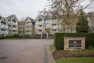 "Photo 2: 404 20750 DUNCAN Way in Langley: Langley City Condo for sale in ""FAIRFIELD LANE"" : MLS®# R2564057"