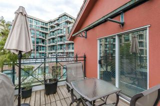 "Photo 15: 402 6 RENAISSANCE Square in New Westminster: Quay Condo for sale in ""RAILTO"" : MLS®# R2045554"