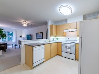"""Photo 6: 306 15298 20 Avenue in Surrey: King George Corridor Condo for sale in """"WATERFORD HOUSE"""" (South Surrey White Rock)  : MLS®# R2625551"""