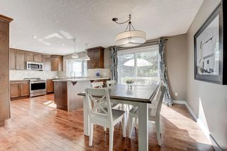 Photo 9: 2956 LATHOM Crescent SW in Calgary: Lakeview Detached for sale : MLS®# C4263838