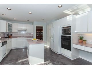 """Photo 9: 10635 CHESTNUT Place in Surrey: Fraser Heights House for sale in """"Glenwood"""" (North Surrey)  : MLS®# R2338110"""