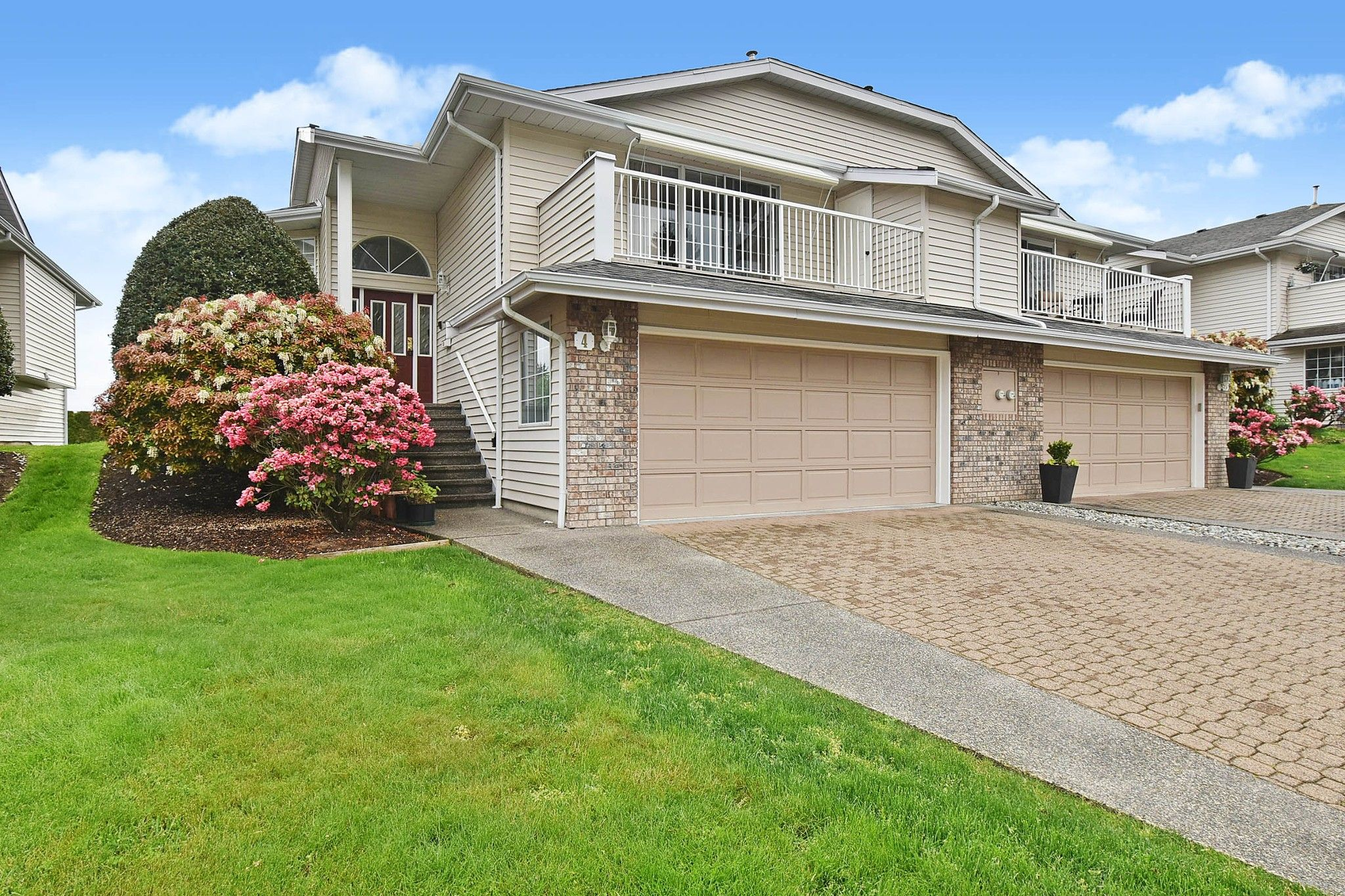 Main Photo: 4 32925 Maclure Road in Abbotsford: Central Abbotsford Townhouse for sale : MLS®# R2575010