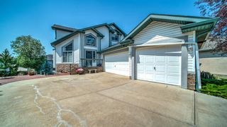 Photo 1: 121 Cove Point: Chestermere Detached for sale : MLS®# A1131912