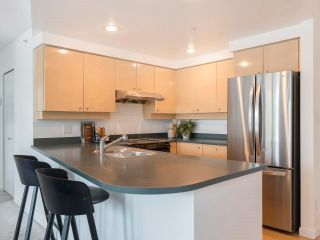 Photo 14: 305 1009 EXPO BOULEVARD in Vancouver: Yaletown Condo for sale (Vancouver West)  : MLS®# R2575432