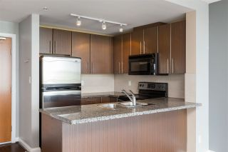 """Photo 10: 3307 898 CARNARVON Street in New Westminster: Downtown NW Condo for sale in """"AZURE I"""" : MLS®# R2469814"""