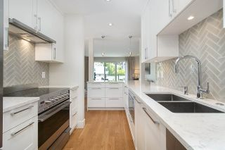 "Photo 4: 301 2255 YORK Avenue in Vancouver: Kitsilano Condo for sale in ""BEACH HOUSE"" (Vancouver West)  : MLS®# R2458588"