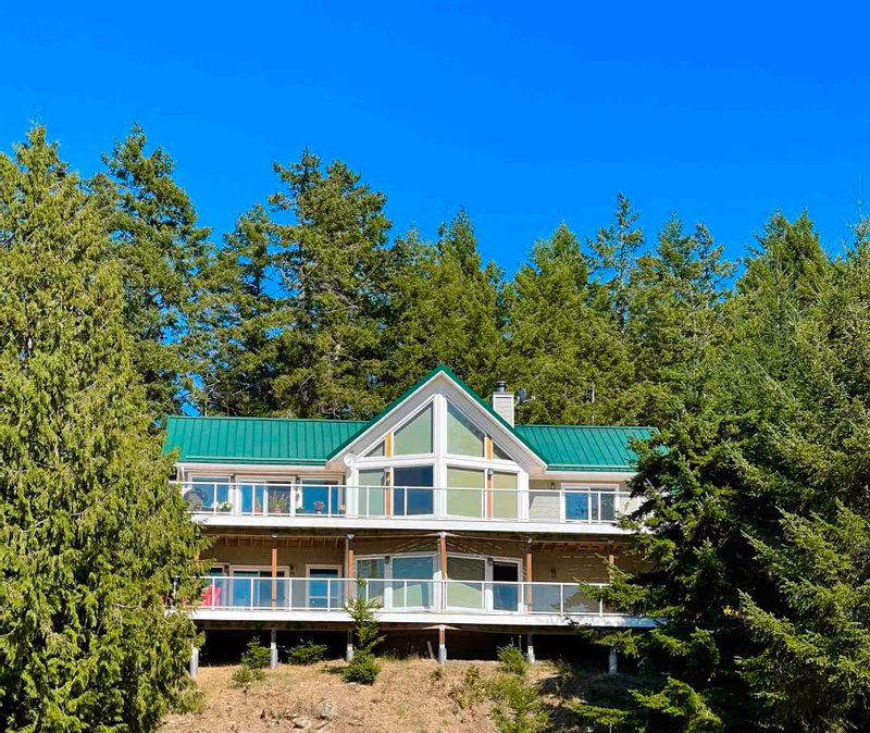 FEATURED LISTING: 149 WINTER COVE Road Saturna Island