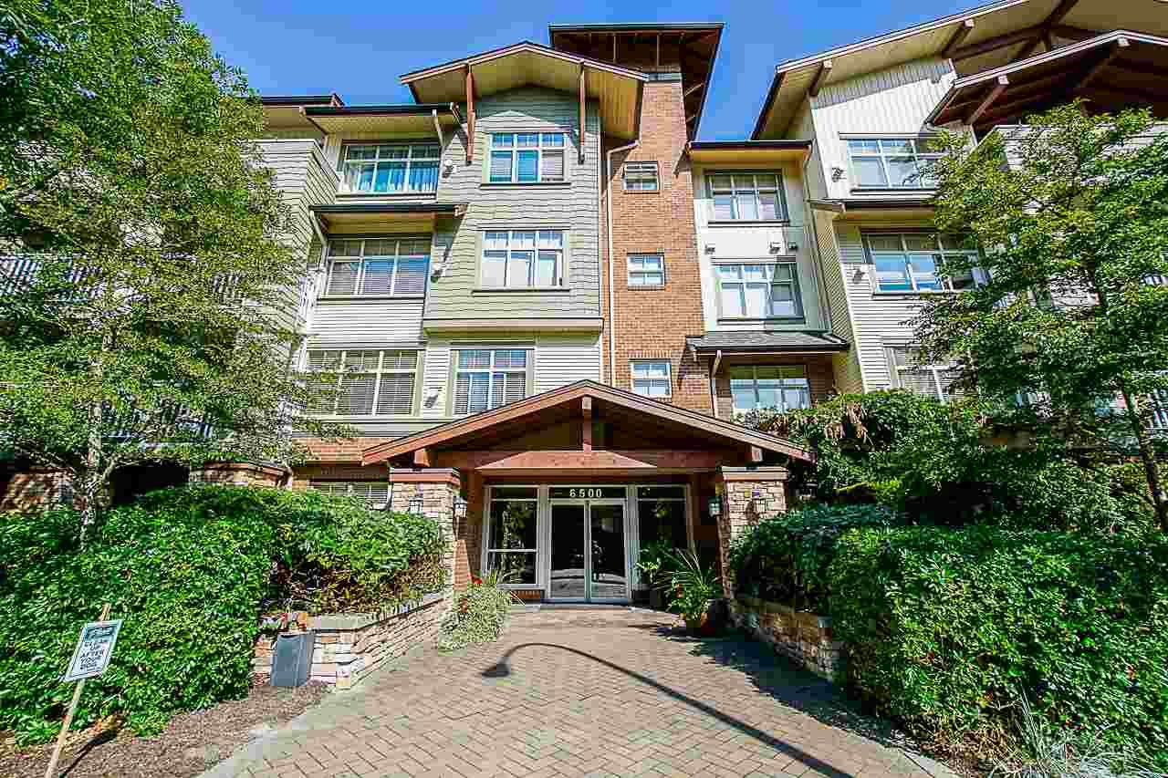 """Main Photo: 308 6500 194 Street in Surrey: Clayton Condo for sale in """"SUNSET GROVE"""" (Cloverdale)  : MLS®# R2416083"""