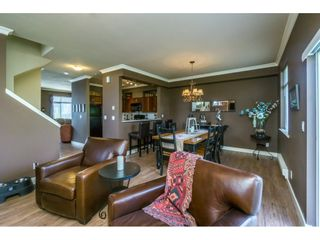 """Photo 4: 1 19932 70 Avenue in Langley: Willoughby Heights Townhouse for sale in """"SUMMERWOOD"""" : MLS®# R2162359"""