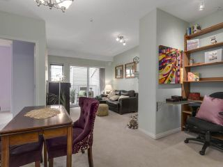 """Photo 8: 301 2755 MAPLE Street in Vancouver: Kitsilano Condo for sale in """"THE DAVENPORT"""" (Vancouver West)  : MLS®# R2122011"""