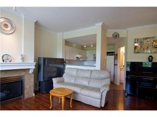 """Photo 3: 4 3033 TERRAVISTA Place in Port Moody: Port Moody Centre Townhouse for sale in """"GLENMORE"""" : MLS®# V896446"""