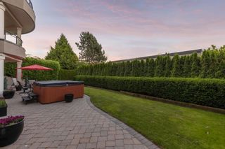"""Photo 36: 14342 SUNSET Drive: White Rock House for sale in """"White Rock Beach"""" (South Surrey White Rock)  : MLS®# R2590689"""