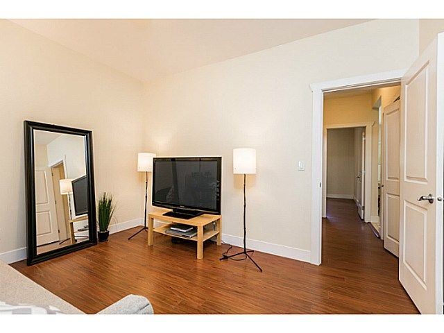 Photo 8: Photos: 7979 MCGREGOR Avenue in Burnaby: South Slope 1/2 Duplex for sale (Burnaby South)  : MLS®# V1137815