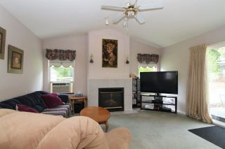 Photo 4: 8269 WHARTON PLACE in Mission: Mission BC House for sale : MLS®# R2372117