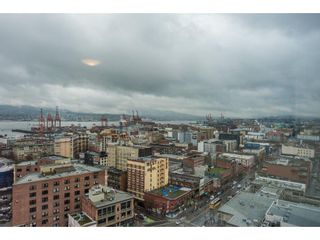 """Photo 19: 2402 550 TAYLOR Street in Vancouver: Downtown VW Condo for sale in """"THE TAYLOR"""" (Vancouver West)  : MLS®# R2142981"""