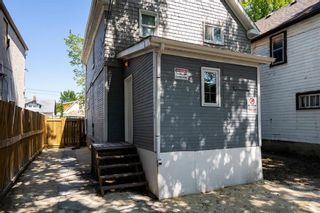 Photo 18: 402 Boyd Avenue in Winnipeg: North End Residential for sale (4A)  : MLS®# 202120545