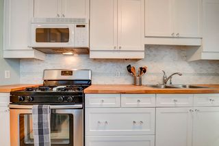 Photo 3: 9659 76 Avenue in Edmonton: Zone 17 House for sale : MLS®# E4263878