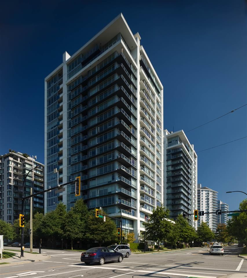 """Main Photo: 1302 158 W 13TH Street in North Vancouver: Central Lonsdale Condo for sale in """"VISTA PLACE"""" : MLS®# R2497537"""