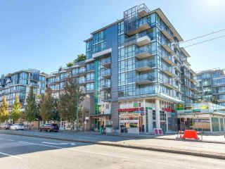 """Photo 1: 375 2080 W BROADWAY in Vancouver: Kitsilano Condo for sale in """"PINNACLE LIVING ON BROADWAY"""" (Vancouver West)  : MLS®# R2211453"""