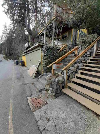 "Photo 6: 312 MUNROE Avenue: Cultus Lake House for sale in ""Cultus Lake Park"" : MLS®# R2570268"