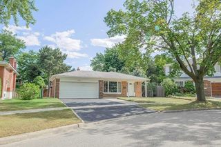 Photo 2: 6 Deepdale Drive in Toronto: Agincourt North House (Backsplit 3) for sale (Toronto E07)  : MLS®# E5340203