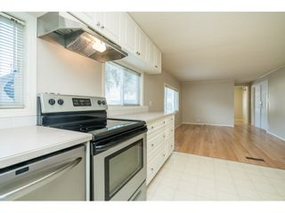 """Photo 12: 20 24330 FRASER Highway in Langley: Otter District Manufactured Home for sale in """"Langley Grove Estates"""" : MLS®# R2497315"""